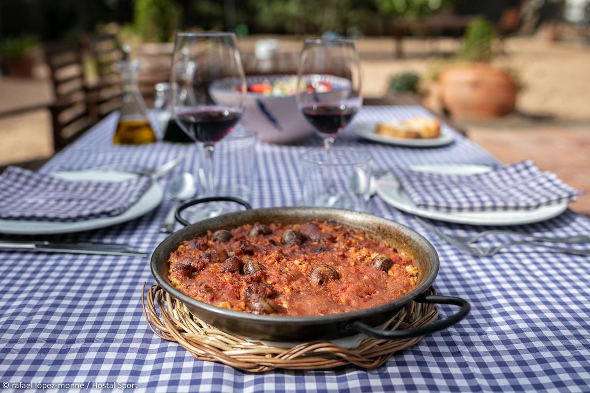 Arròs amb caragols.  Restaurant Hostal Sport.  Falset, Priorat, Tarragona